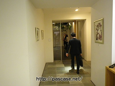 pasona本社の1階廊下
